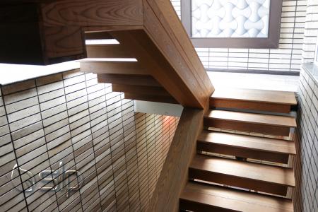 ویژگی های ساختمان چوبی